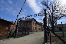 Entrada Auschwitz, vía www.cracovia.net