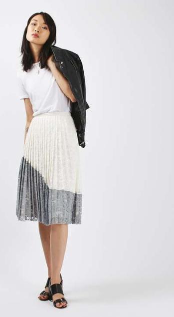 Falda plisada encaje de Topshop, imagen de la página web de Topshop